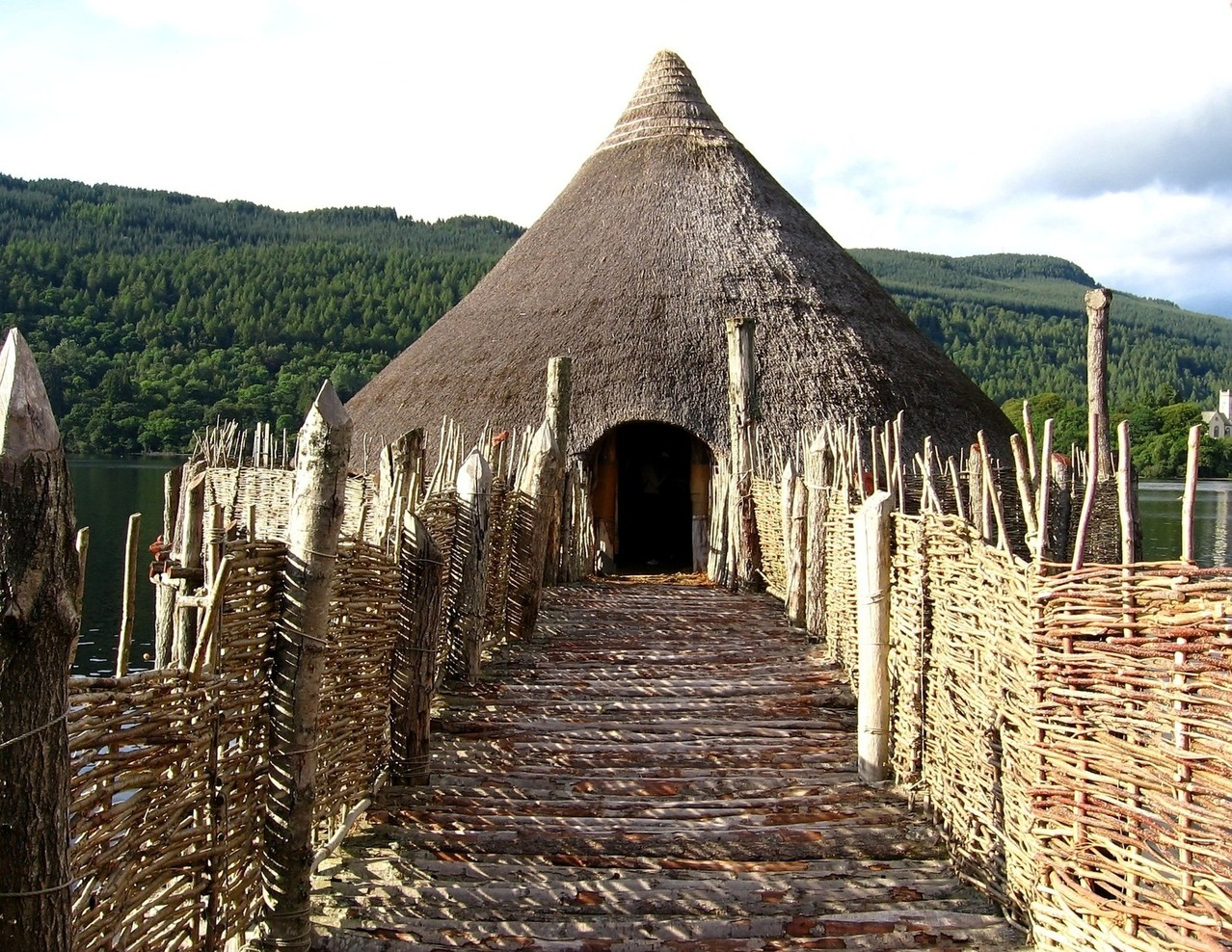 Perthshire history and culture embrace scotland for Architecture vernaculaire